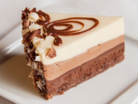 Torta sa sirom i tri vrste čokolade